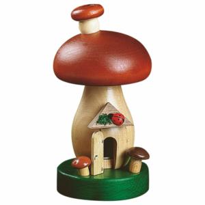 Räucherpilz, Räucherhaus aus einem Pilz mit roter Kappe gemacht